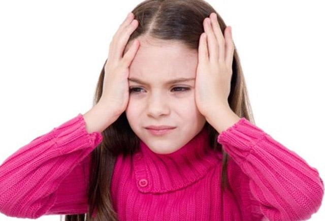 Uşağın başı niyə ağrıyır?