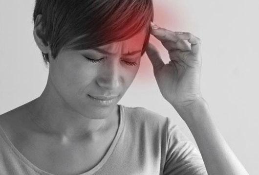 Baş ağrısının ən yayılmış səbəbləri. Özünüz özünüzə diaqnoz qoyun!