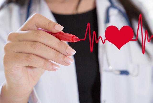 Qadınlar bu simptomlara mütləq fikir verməlidir! Kardioloqlardan xəbərdarlıq